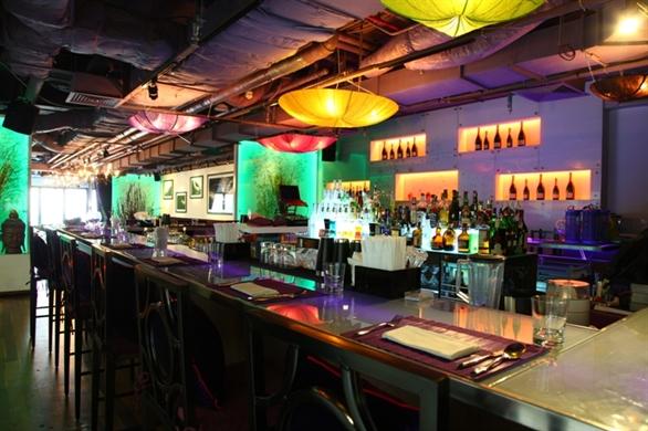 không gian nhà hàng Koh Thai