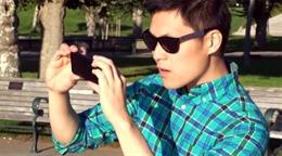 Video clip sạc iPhone bằng kính mát