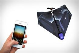Clip điều khiển máy bay giấy bằng smartphone
