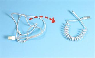Hướng dẫn tự cuộn dây cáp sạc điện thoại