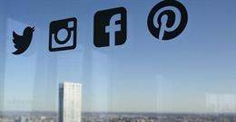 Không cấp dữ liệu điện thoại và Facebook cá nhân sẽ bị từ chối nhập cảnh Mỹ?
