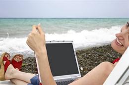 5 lưu ý khi dùng máy tính trong mùa hè nóng ẩm