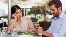 Bạn có biết: Dùng smartphone có thể bị điếc tạm thời?