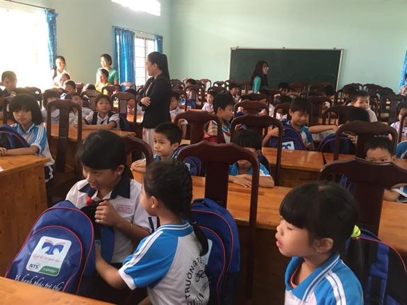 Quỹ hỗ trợ giáo dục Nam Trường Sơn tặng quà khuyến học cho học sinh tỉnh Đồng Nai, Bà Rịa Vũng Tàu, An Giang và Kiên Giang