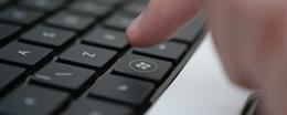 Làm gì khi Windows 10 trong chế độ Sleep không bật lại khi mở bằng bàn phím và chuột?