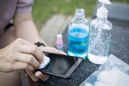 Các bước vệ sinh khử khuẩn điện thoại tại nhà mùa dịch
